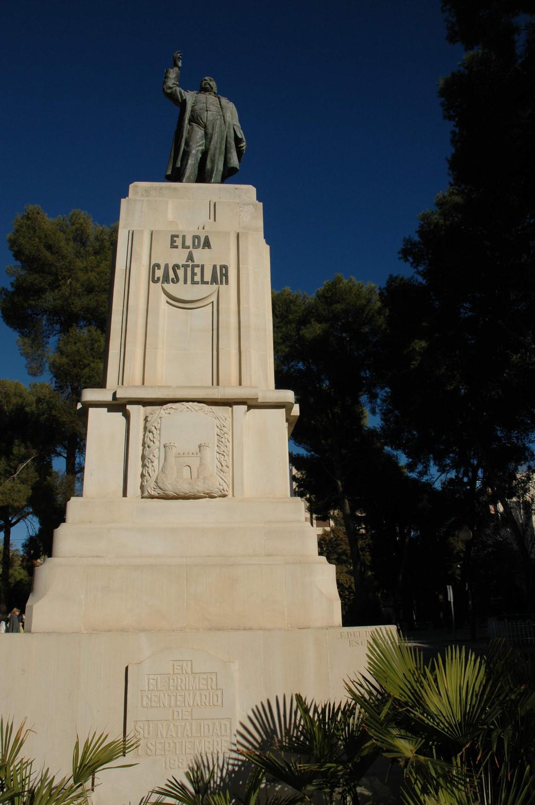 6. Detalle estatua