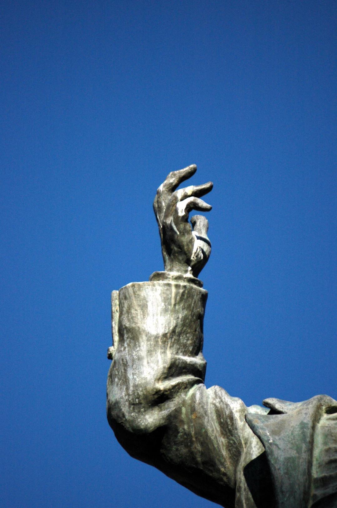 6. Detalles estatua Castelar. 2005-3