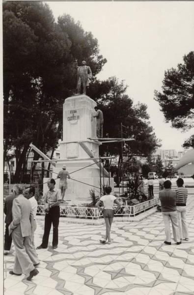 6. Limpieza monumento. Anos 90-1