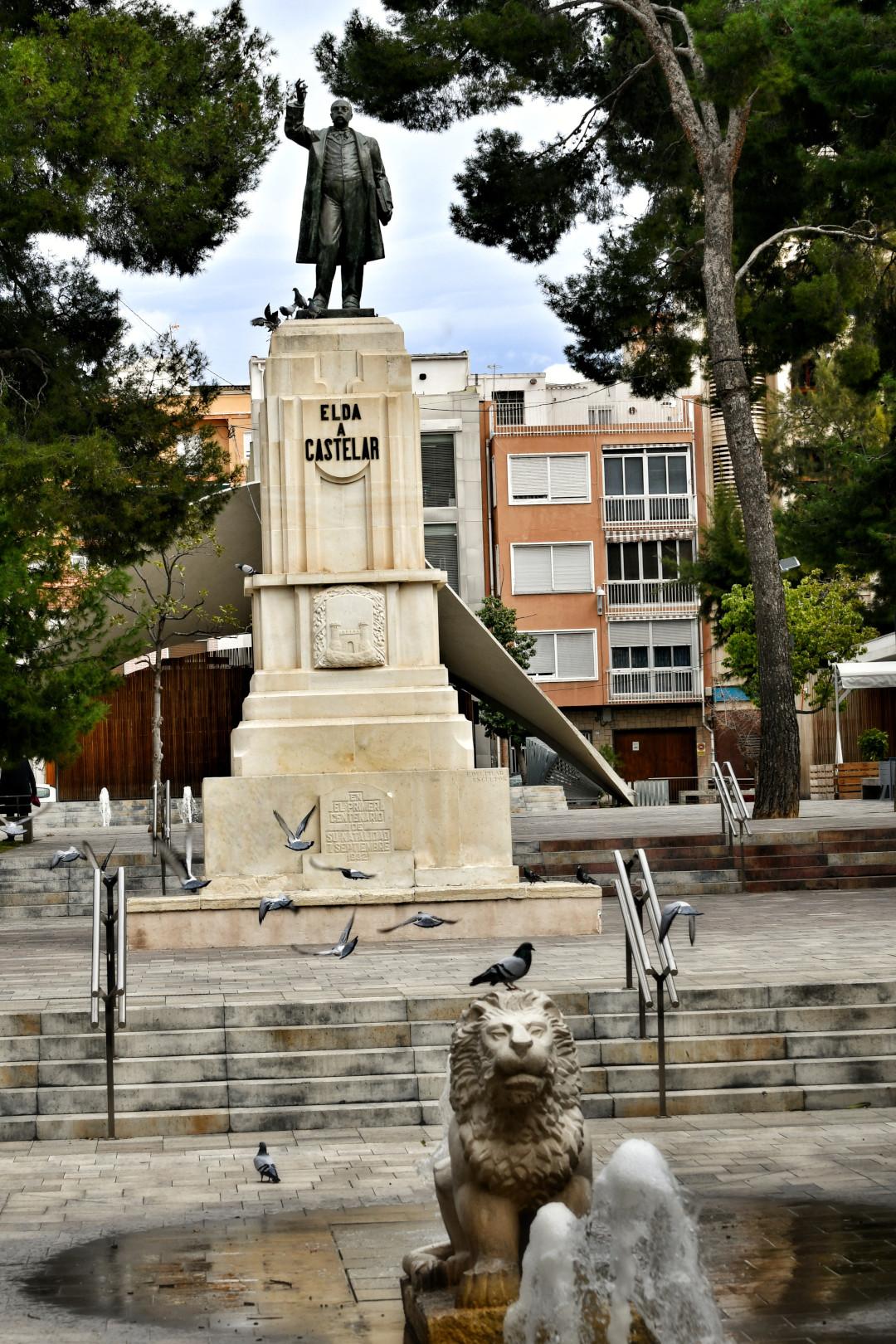 MONUMENTO EMILIO CASTELAR (3)